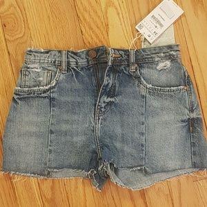 NWT ZARA mid waist denim shorts